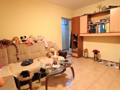 OKAZIE- 38.500 EUR! - zona Orizont - apartament 3 camere decomandate - spațios