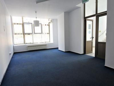 Ultracentral -9 Mai - spațiu  birouri - 140 mp - parcare - contorizare separată