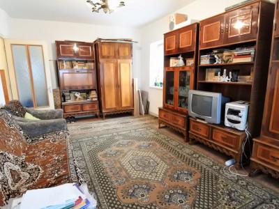 zona Orizont-Mărășești - etajul 3 - decomandat - foarte spațios - liber