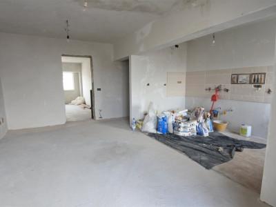 45.000 EURO - Mihai Viteazu - apartament 2 camere - etajul 7