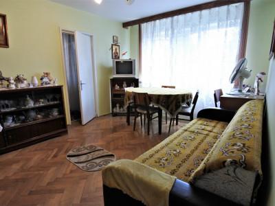 Piața Sud - Panselelor - etajul 2 - apartament 3 camere semidecomandate