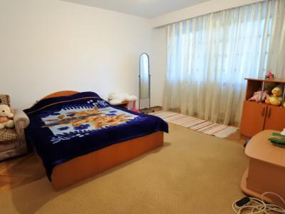Apartament de inchiriat Bacau - 3 decomandate - Aleea Ghioceilor