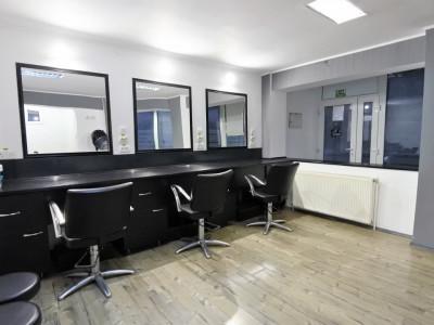 Salon de coafură - frizerie - zona Mioriței - utilat complet