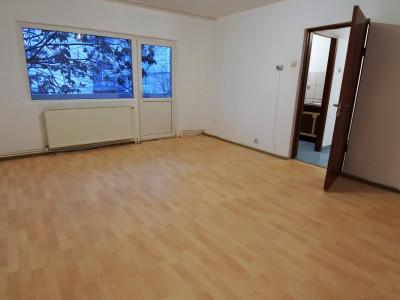 Bistrița Lac-garsonieră confort 1 sporit-nemobilată-centrală proprie-etajul 1