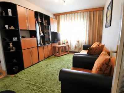 Milcov - zona Kaufland - 2 camere semidecomandate - numai 26.900 EUR