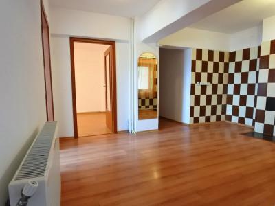 Zona Orizontului - Letea - apartament 3 camere decomandate - ieftin !!!